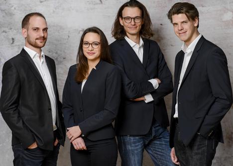 Patrick Proppe, Friderike Bruchmann, Tobias Nendel, Philipp Naegelein (v.l.) (Foto: Medikura Digital Health)