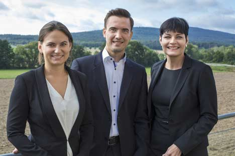 WindStar Medical holt (v.l.) Nadja Neubauer, Sebastian Grosser und Tina Silvester an Bord (Foto: WindStar Medical)